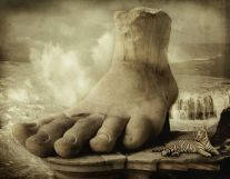 Colossus-of-Rhodes-foot